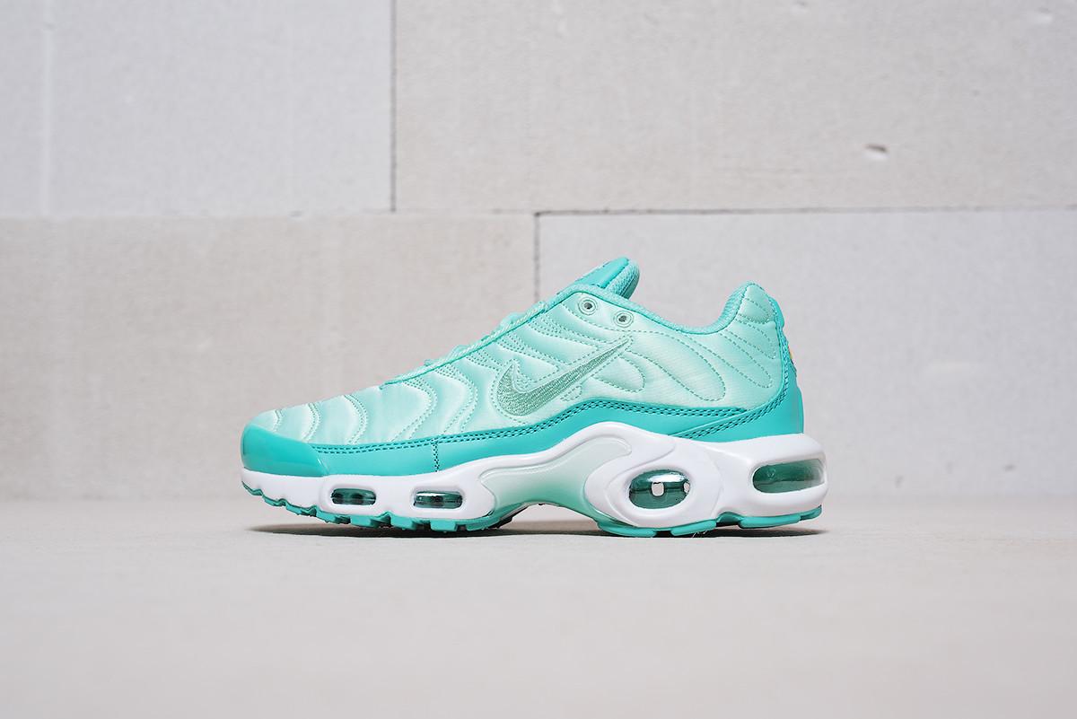 36e0d6373880d8 Женские кроссовки Nike Air Max TN Plus Satin
