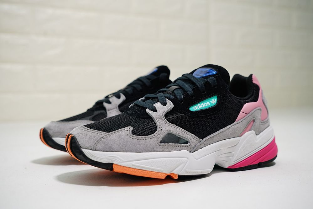 Женские кроссовки adidas Falcon Core BlackLight Granite